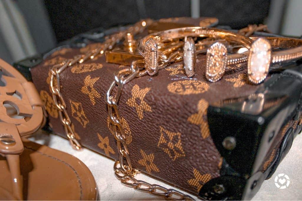 Louis Vuitton Bag, kendra scott bracelete, tory burch shoes