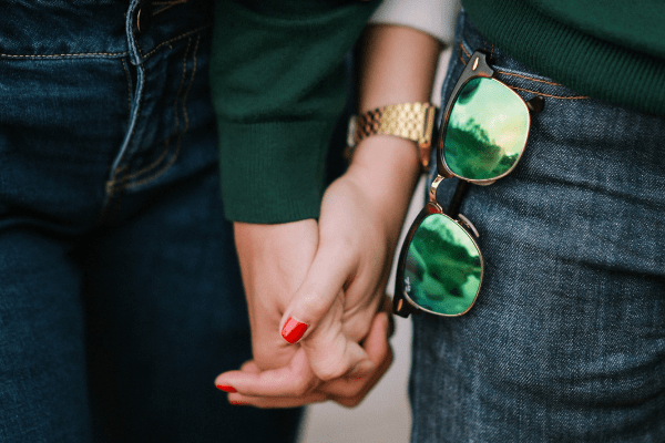 5 Psychology Tricks You Can Use On A First Date